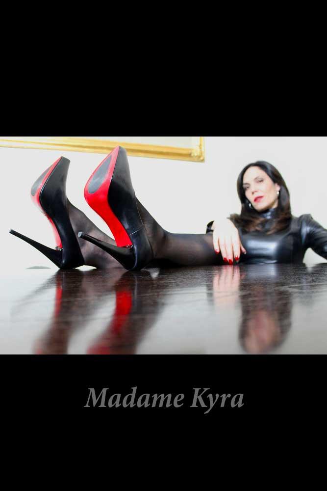 Madame Kyra, Domina, Düsseldorf
